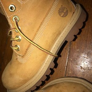 Kids Timberlands ONLY WORN ONCE ❗️